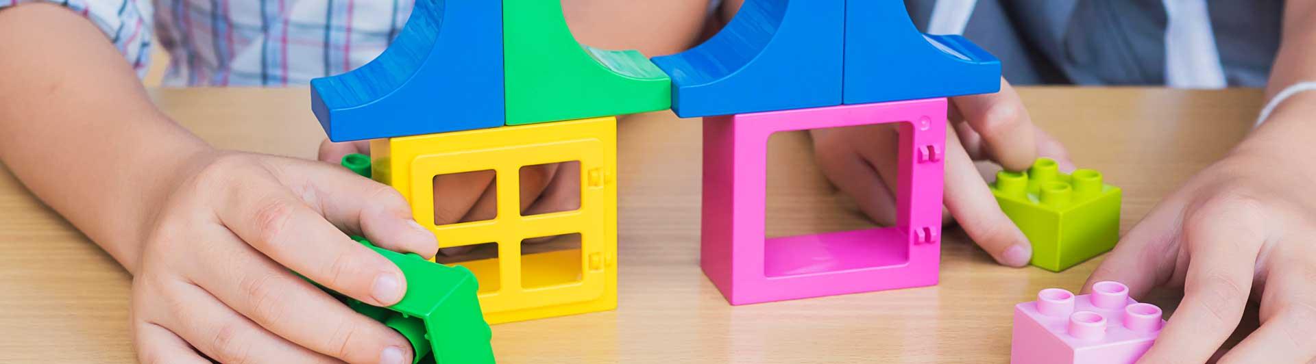 Етапи при детското развитие според метода Монтесори