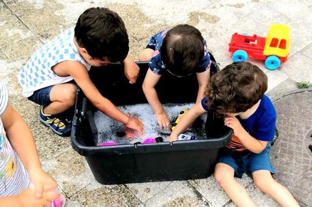 """Темата на децата в Детска градина Монтесори Планета България - гр. Плевен за тази седмица е """"Науката е лесна и забавна"""""""