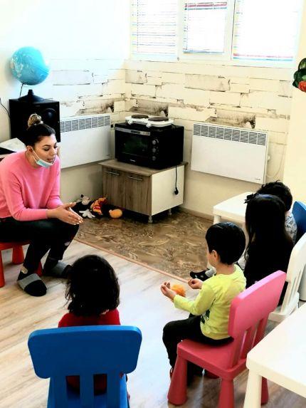 Монтесори кръгчето за споделяне на децата